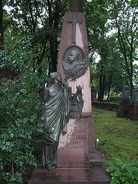 200px-Tomb_of_F.I.Stravinsky